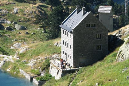 mountain refuges in Catalonia, accommodation in the Pyrenees