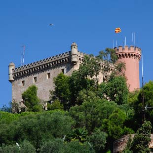 guide best castles fortresses Catalonia Cultural heritage Spain