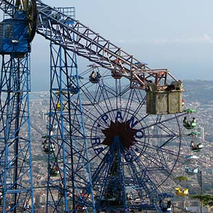 the best amusement parks in Barcelona. Theme parks Barcelona.