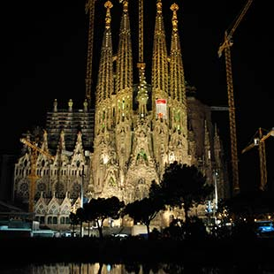 Top 10 tourist attractions in Barcelona. 