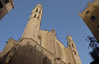 Discover the most interesting churches in Barcelona. Tourist information about the Gothic church of Santa Maria del Mar.