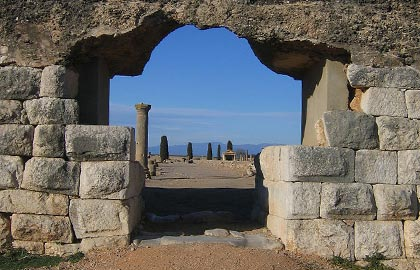 discover the most interesting archaeological sites in Catalonia. Tourist information about the Ruins of Ampurias.